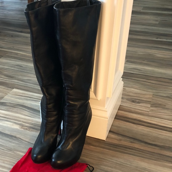 wholesale dealer f347e 5b62b Christian Louboutin Leather Knee Boots
